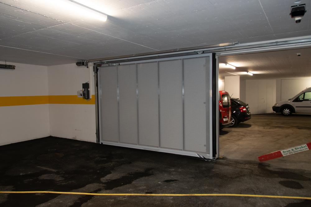 Garagentor in der Tiefgarage 1